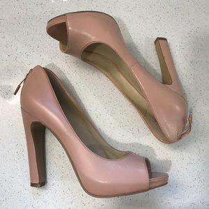 EXCELLENT Nine West Peep-toe Heels,